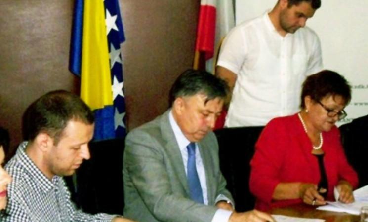 Ministar Zukić potpisao ugovore o finansiranju zapošljavanja